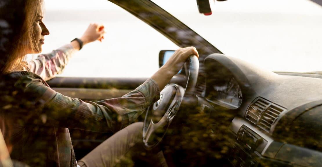 Este año veremos información proyectada en los parabrisas del coche